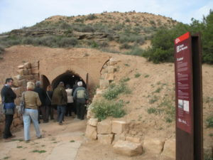 Visit to an air-raid shelter in Alfés built during the Spanish Civil War (2012)